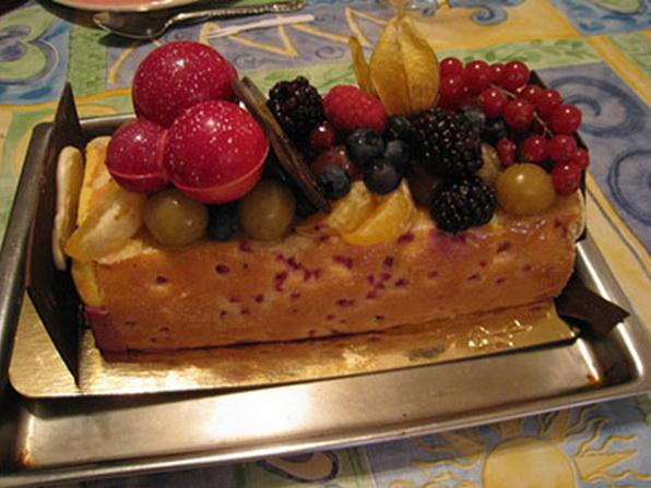 несколько рождественских французских десертов